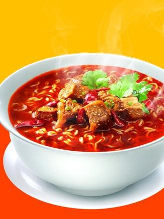 fideos ramen de carne a la salsa agripicante | colossal bowl