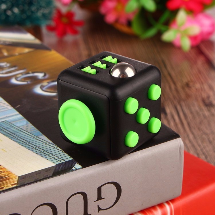 fidget cube original antiestr s estuche env o gratis. Black Bedroom Furniture Sets. Home Design Ideas