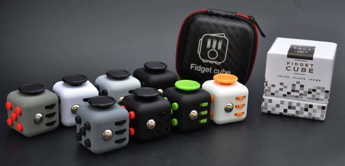 fidget cube original con estuche rigido env o gratis. Black Bedroom Furniture Sets. Home Design Ideas