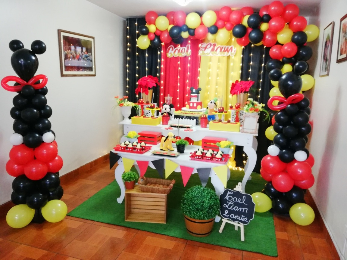 Fiesta decoraci n mickey mouse s 55 00 en mercado libre for Decoracion de puertas para cumpleanos