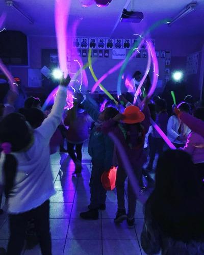 fiesta flúor dj animación discopeque cumpleaños flúor