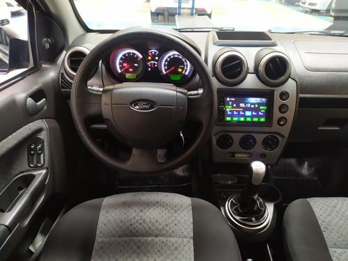 fiesta hatch 1.0 flex completo airbag e multimidia