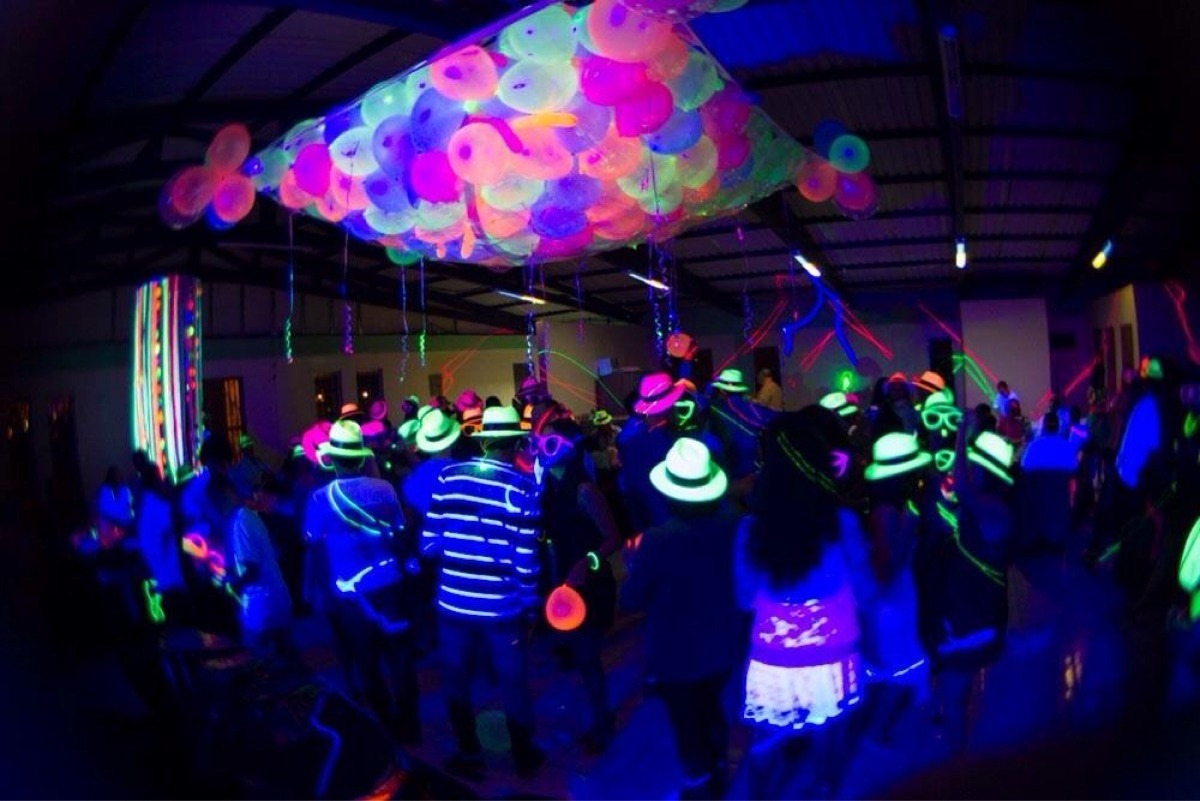 Miracle Body And Paint >> Fiesta Neon 15 Años Dj Equipo Sonido Luces Barman ...