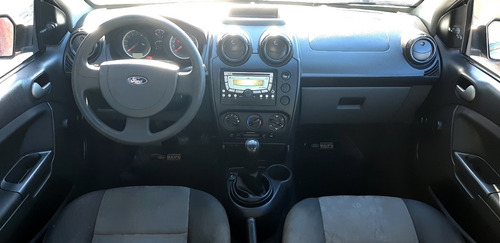 fiesta one ambiente plus 1.6 - 5 ptas - m/2011