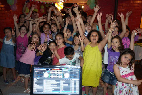 fiestas  dj  animación  discopeques  iluminación  música