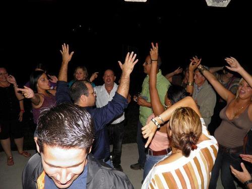 fiestas retro incluye sonido, pantalla, karaoke, tony show!!