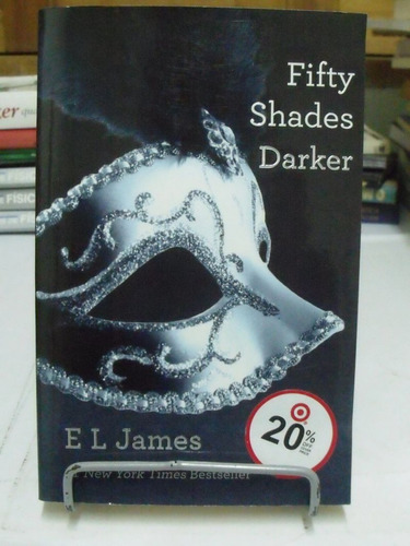 fifity shades darker 2  - e.l. james