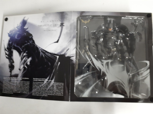 figura accion batman variant play arts
