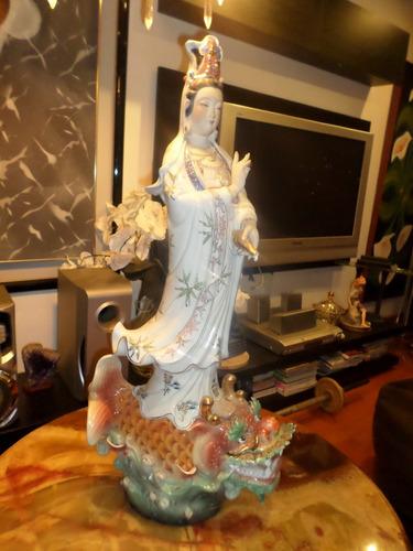 figura antigua kuan yin  diosa del amor y la misericordia