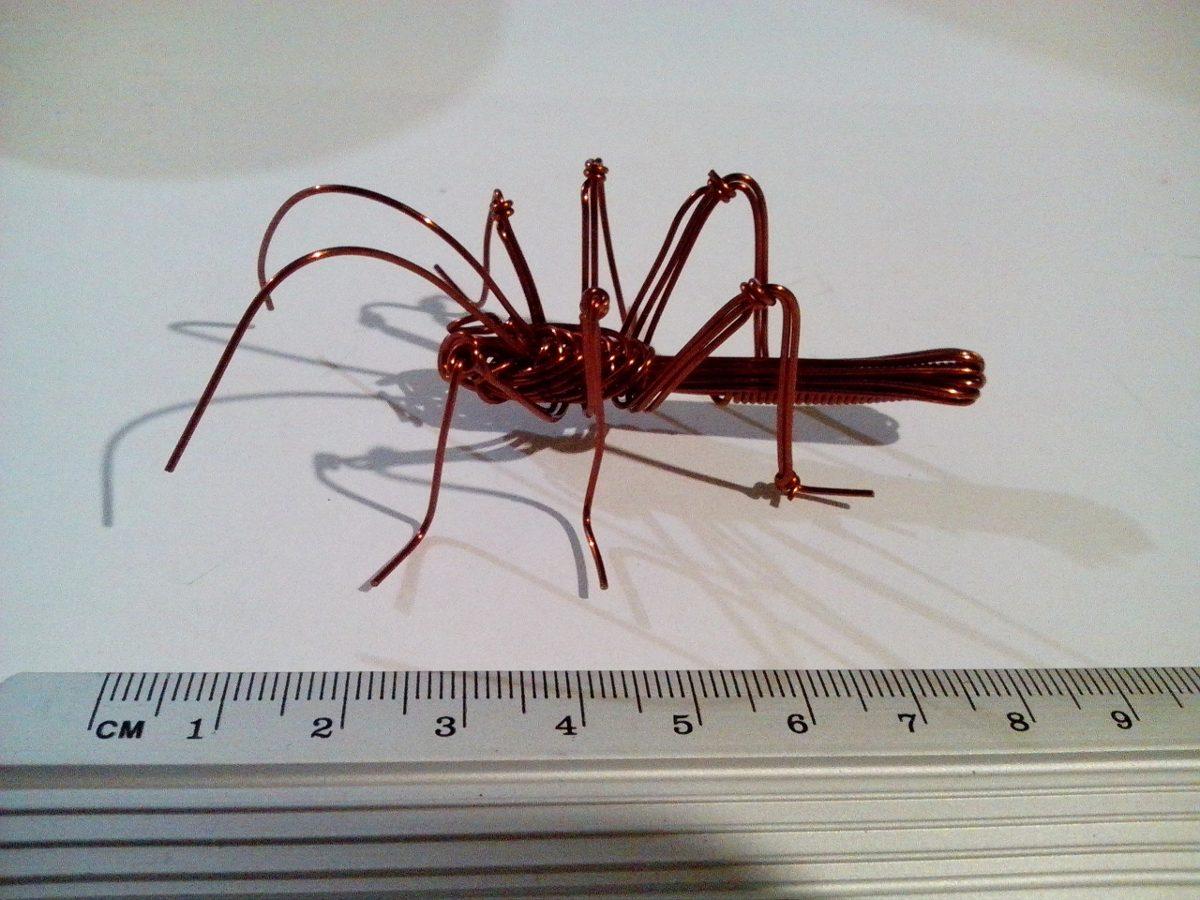Figura artesanal bicho de alambre de cobre en - Alambre de cobre ...