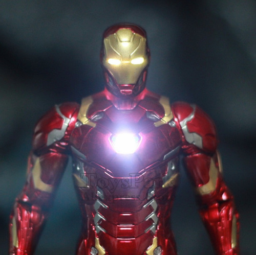 figura avengers  iron man con luces led recargables y extras