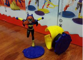 Figura Sorpresa Batman Maxi Batichica Dc Juguete Kinder BdCoex