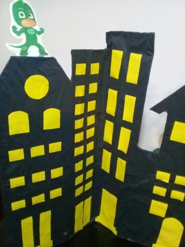 figura carton ciudad héroes en pijamas
