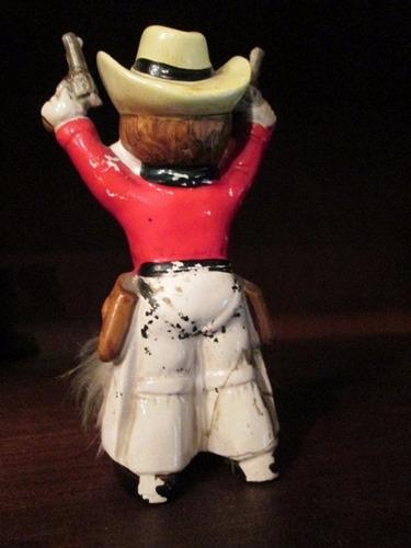 figura ceramica vaquerito - pelo en los pantalones divino