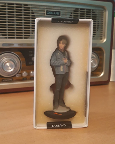 figura coleccionable limitada de jimin bts (9cm)