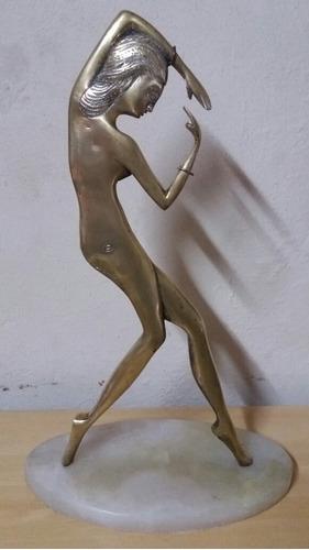 figura de bronce antigua abstracta biface 48cm