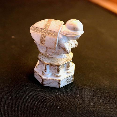 figura de colección  peon  del ajedrez de harry potter
