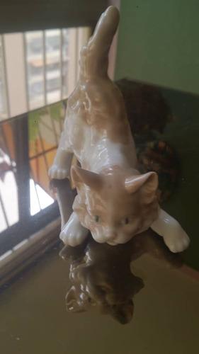 figura de lladro porcelana animal gato