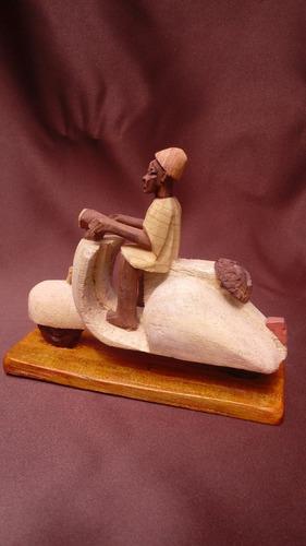 figura de madera de cuba