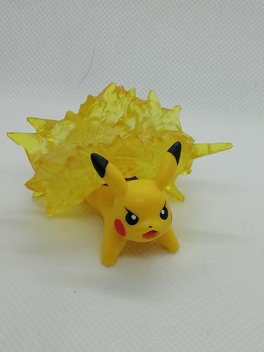 figura de pikachu con poder