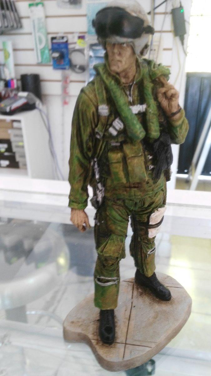 bc6a394faf Figura De Piloto Aviador Militar - $ 550.00 en Mercado Libre