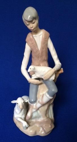 figura de porcelana casades espanola