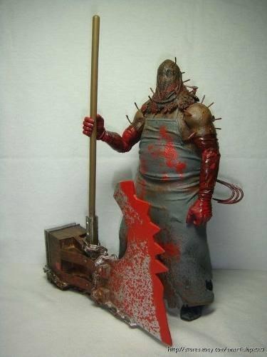figura de residen evil executioner majini