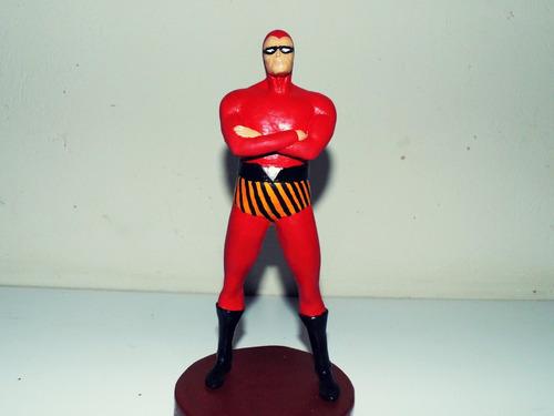 figura em ação do fantasma vermelho classico,em resina.