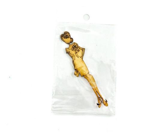 figura en madera mdf  / muñeca en corte laser