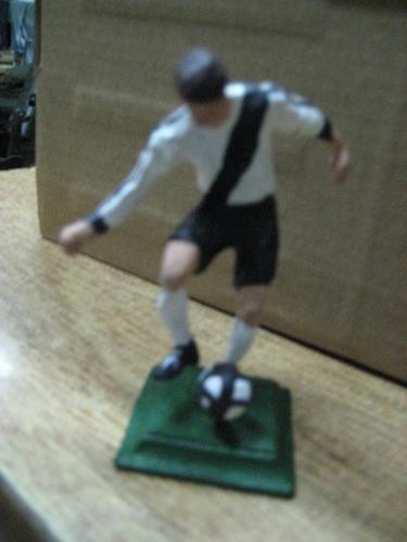 figura en plomo danubio futbol club uruguay - jugador