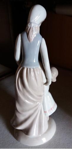 figura estatua porcelana  madre  26x10-v crespo/pompeya