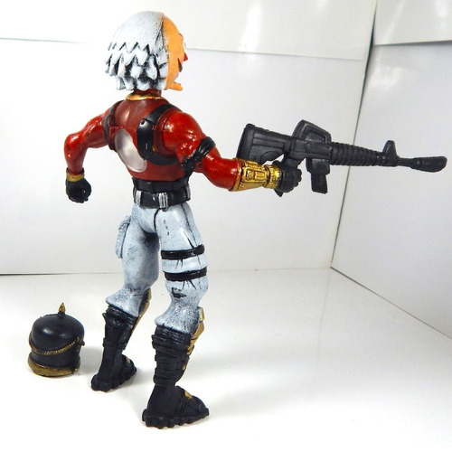 figura juguete cascanueces skin legendario luz 21cm