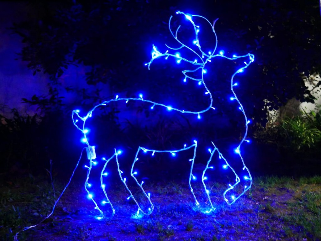 e41da51f6b6 figura navideña de hierro reno con luces led. Cargando zoom.