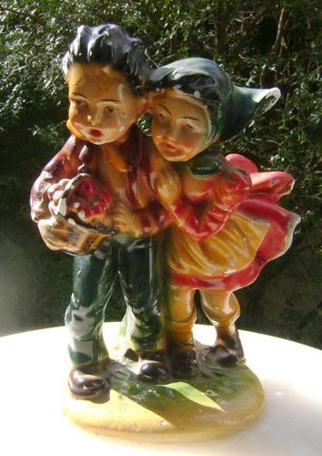 figura pareja niños con manzanas yeso años 60's - no envío