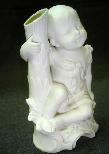 figura porcelana biscuit antigua niño impecable (0467)
