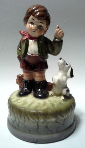 figura porcelana vintage niño con perro base redonda