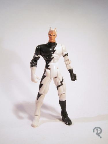 figura quicksilver xmen toy biz de los 90 marvel en su caja