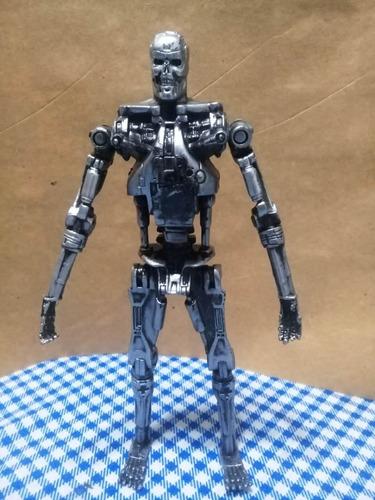 figura terminator 2 endoskeleton t800 universal estudios