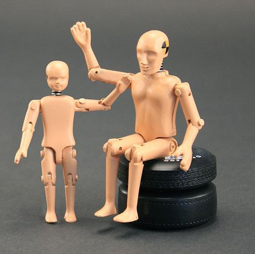 figuras crash test dummies escala 1/18 nuevos en caja