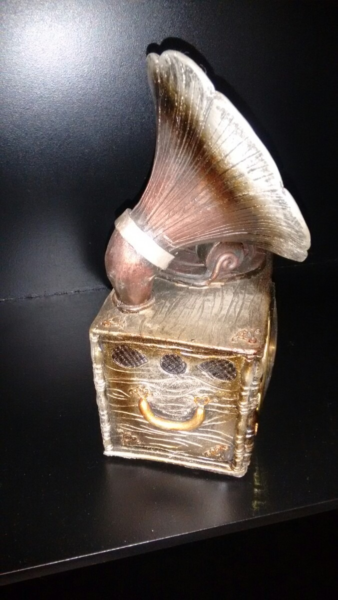 Figuras de objetos antiguos con reloj en for Compra de objetos antiguos