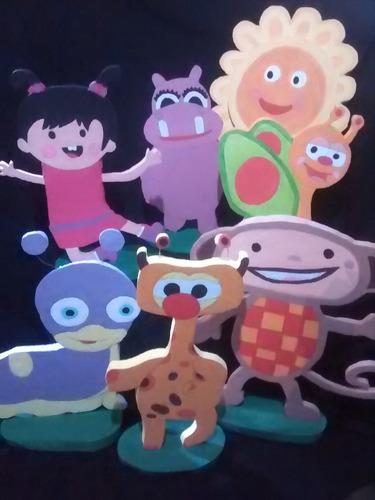 figuras en anime chupeteras piñatas cuadro de selfie letras