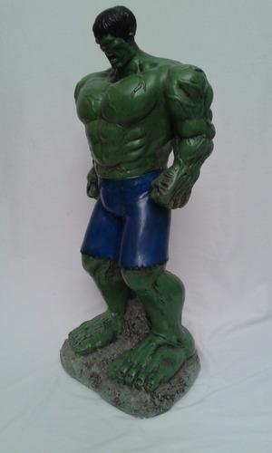figuras pintadas en yeso de super heroes