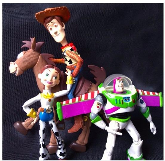 384dbdaf198ee Mco figuras toy story buzz lightyear woody jessie tiro al blanco jpg  553x538 Woody and jessie
