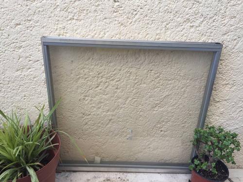 fijo de aluminio 65x60cm (ventanas)