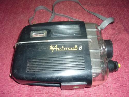 filmadora antigua con proteccion para abajo del agua