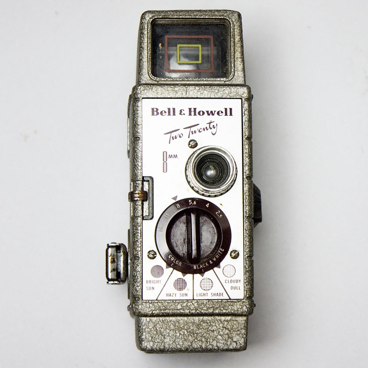 Filmadora Bell & Howell 8mm Two Twenty (antiguidade)