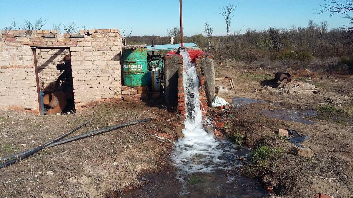 finca con casa y pozo de agua propio, derecho de agua tb.
