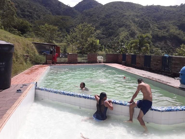 finca con piscina en cocorna antioquia.