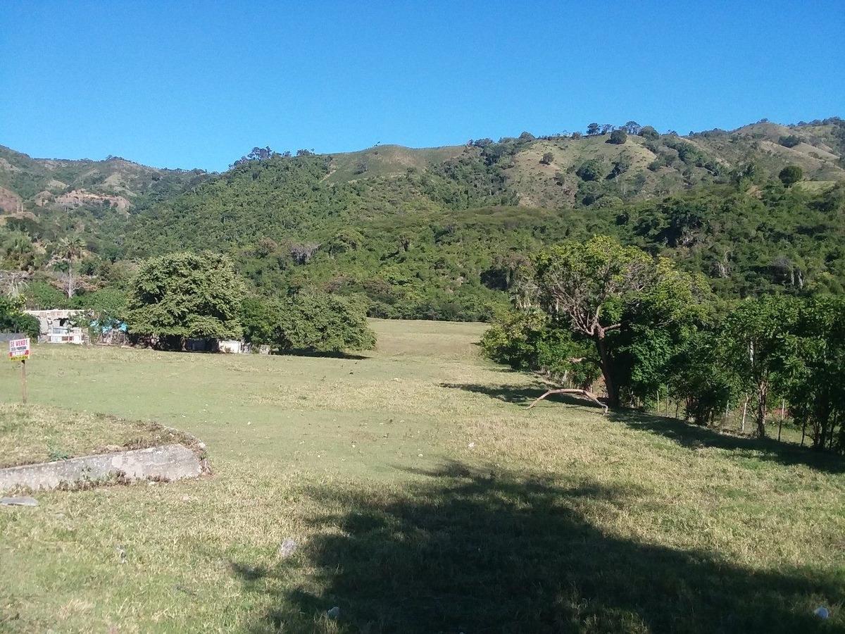 finca de 57 tareas con vocación ganadera y agrícola en ocoa