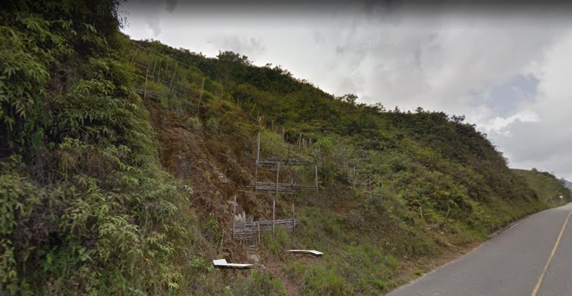 finca de perímetro de 1492 metros borde de carretera amalfi